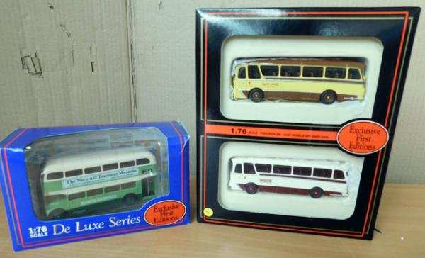 Two E.F.E buses, one single, one double - 1/76 scale