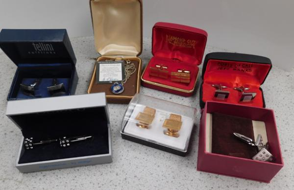 Assortment of vintage cufflinks and Holbein process three pence with certificate on chain