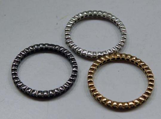 3x Different colour sterling silver stacker band rings