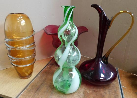 "4x Pieces of vintage large coloured glassware approx 16"" tallest"