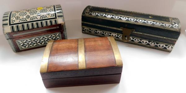 3x Unusual small vintage wooden boxes with inlay
