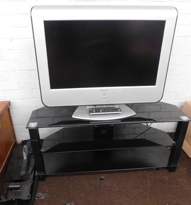 Sony Wega flat screen TV and stand in working order