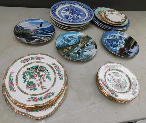 Box of mixed plates inc 3 hector plates + blue & white Indian tree