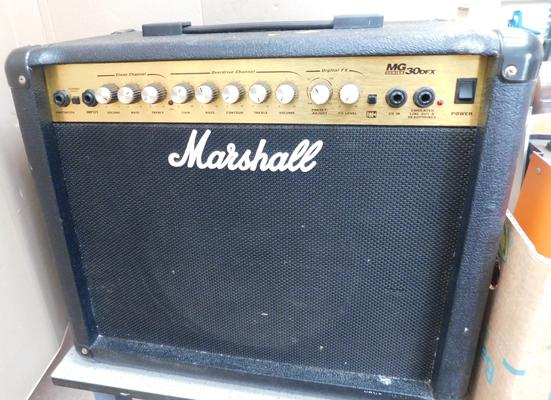 Marshall MG 30 DFX guitar amplifier in W/O