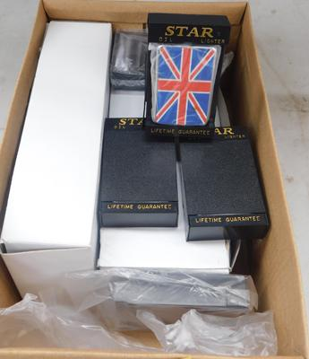 Box of star lighters (x25)