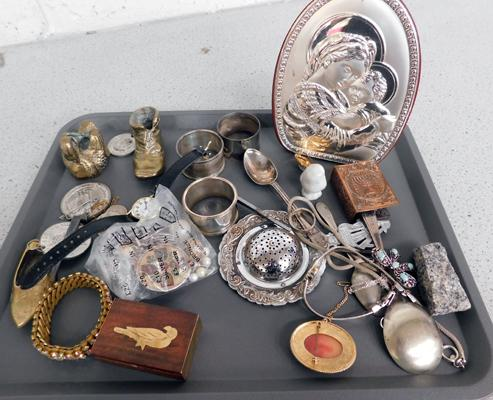 Collection of mixed vintage/antique items inc silver & medals