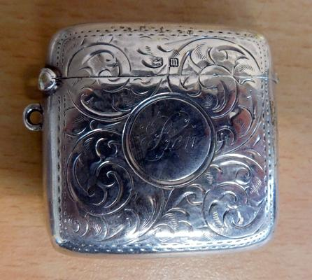 Sterling silver vesta case, with bright cut detailing