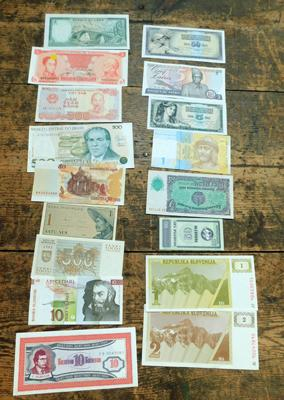 Collection of foreign bank notes (collectors condition)