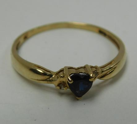 9ct Gold sapphire & diamond heart ring size P
