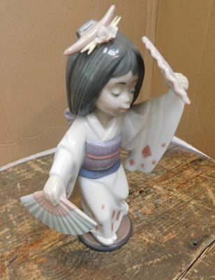 "Lladro oriental dance figure approx 7.5"" x 4.25"" issued from 1995-2013"