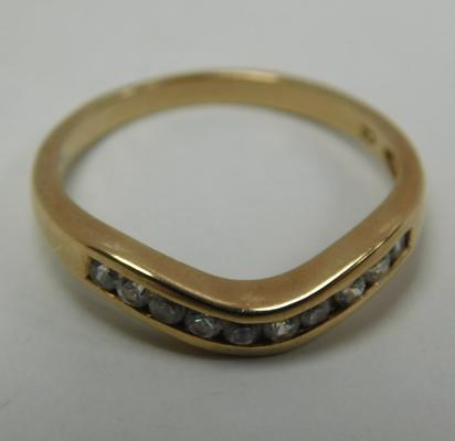 9ct Gold white stone chanel set wishbone ring size N