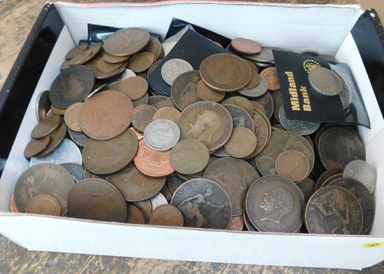 Large selection of vintage coins inc silver