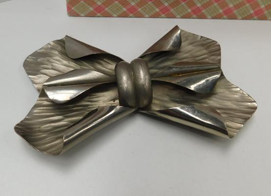 Large 800 silver vintage bow belt buckle