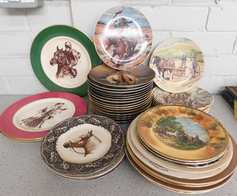 Large assortment of traveller inspired plates inc Wedgwood, Danbury Mint set of 7 + Ltd Edition Western Heritage Museum set of 16