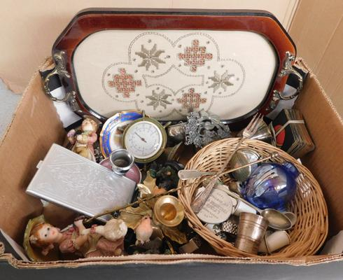 Collection of vintage & antique items, pewter ware, card case, pocket watches, china thimbles etc