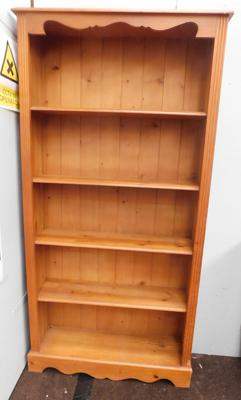 5 Shelf pine bookcase