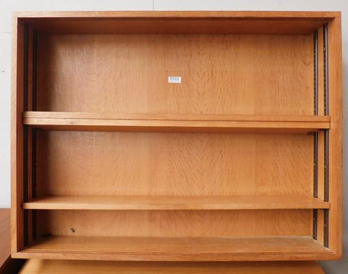"Wall mountable shelving unit Dimensions - W32"" x H24"" x D6"""