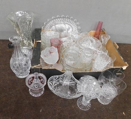 Large collection of glassware inc cut glass etc