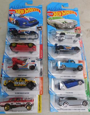 Box of 10 Hotwheels