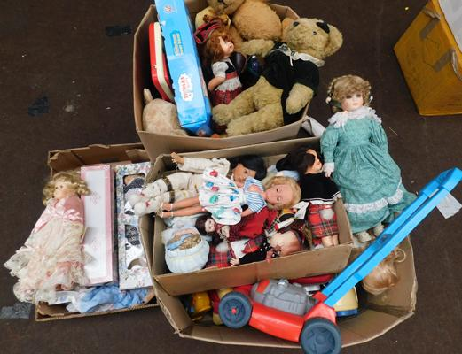 Large collection of vintage dolls, bears, Thomas set, Fisher Price etc (over 100 items)