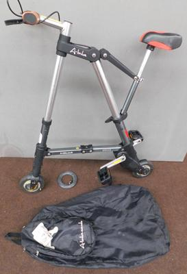 Original Sinclair folding A bike + carry bag - very rare.