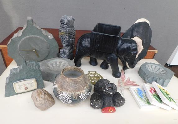 Box of mixed collectables inc stoneware
