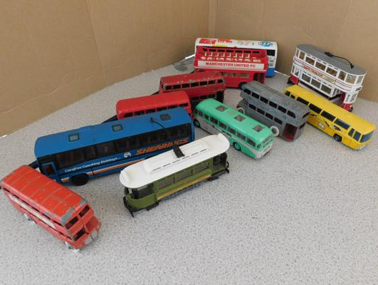 Collection of diecast buses, Dinky, Corgi, Matchbox x11