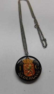 Enameled Nederland 1g coin pendant on chain, 1967