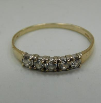 9ct Gold 5 white stoned ring size N1/2