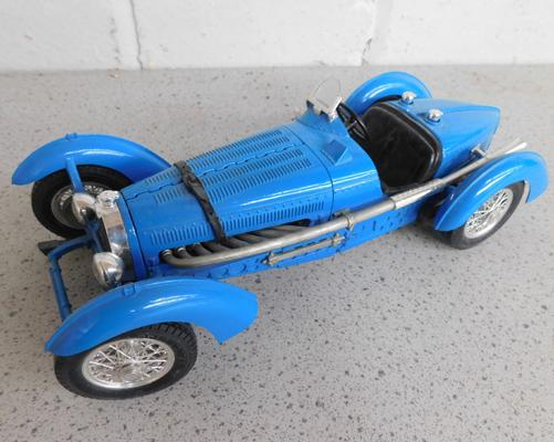 Diecast 1934 Bugatti Type 59, 1-18 scale, original paint, approx. 10 inches