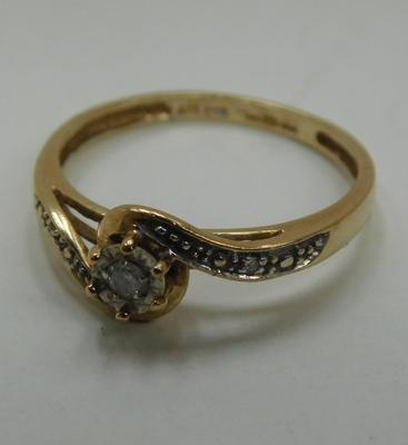 9ct Gold diamond solitaire with accents size M1/2