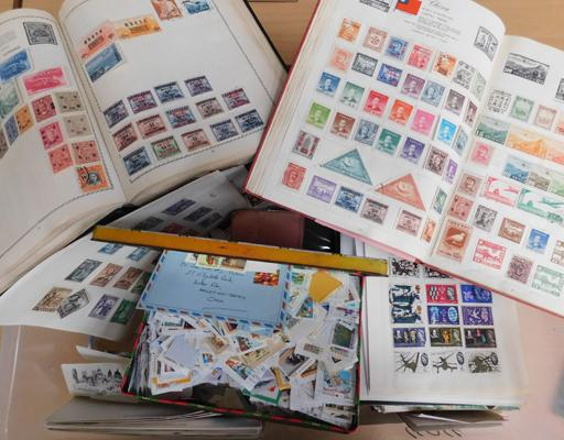 Large box containing quantity of stamps