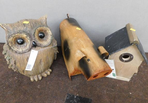 Selection of three new garden ornaments, incl. nesting box