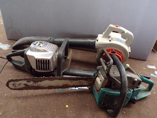 Selection of petrol tools inc Stihl blower, McCulloch hedge trimmer & Makita chainsaw all running but sold as seen