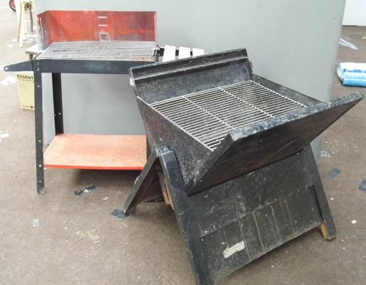 Large folding bbq + smaller bbq on stand