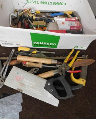 Box of tools, incl. door furniture, saws etc...