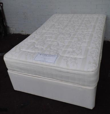 Kozeesleep double divan bed + mattress-clean condition(missing 2 castors)
