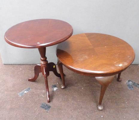 2x Round occasional tables