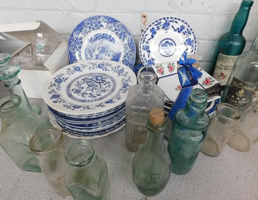 Box of ceramics & vintage glass