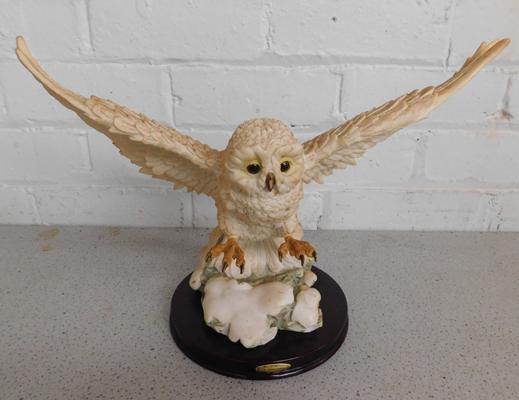 Juliana Collection owl (damage to claw) - approx. 14 x 10 inches tall