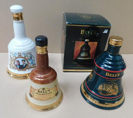 3 x large Wade whiskey decanters