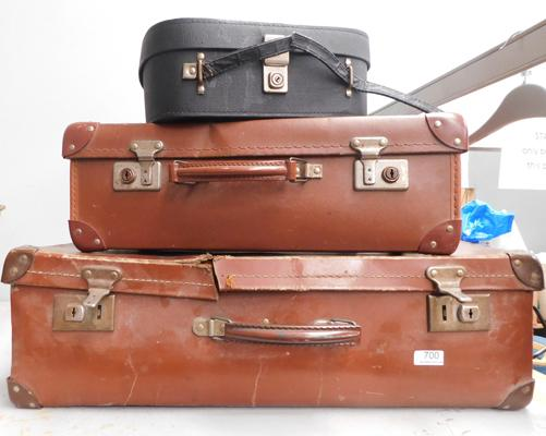 2x vintage suitcases and a vanity case