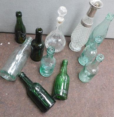 Box of vintage bottles + 2 carafes