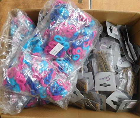 Box of approx. 200 packs of hair slides & 80 packs of bobbles