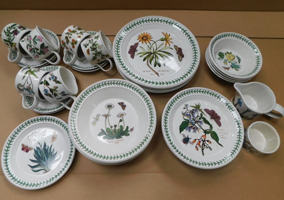 Boxed set Portmeirion botanic gardens part dinner set (37 pieces)