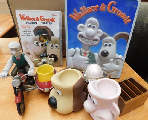 Selection of Wallace & Gromit collectables