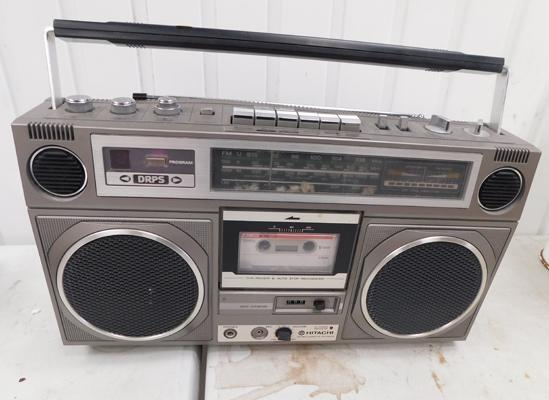 Hitachi boom box model TRK-8020E