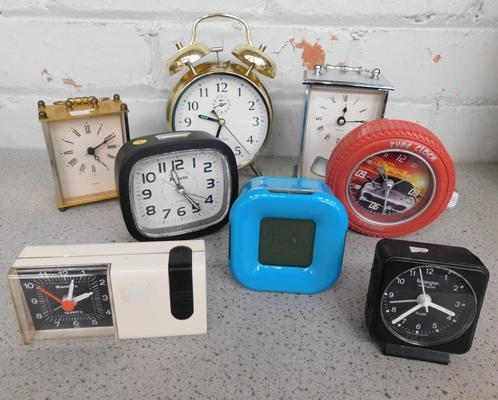 Collection of vintage clocks (8)