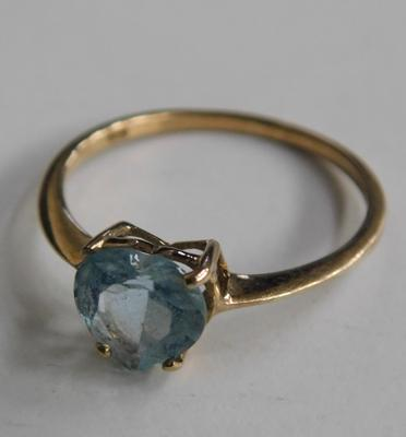 9ct gold & blue topaz ring, size O