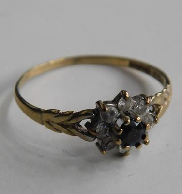 9ct gold cluster ring